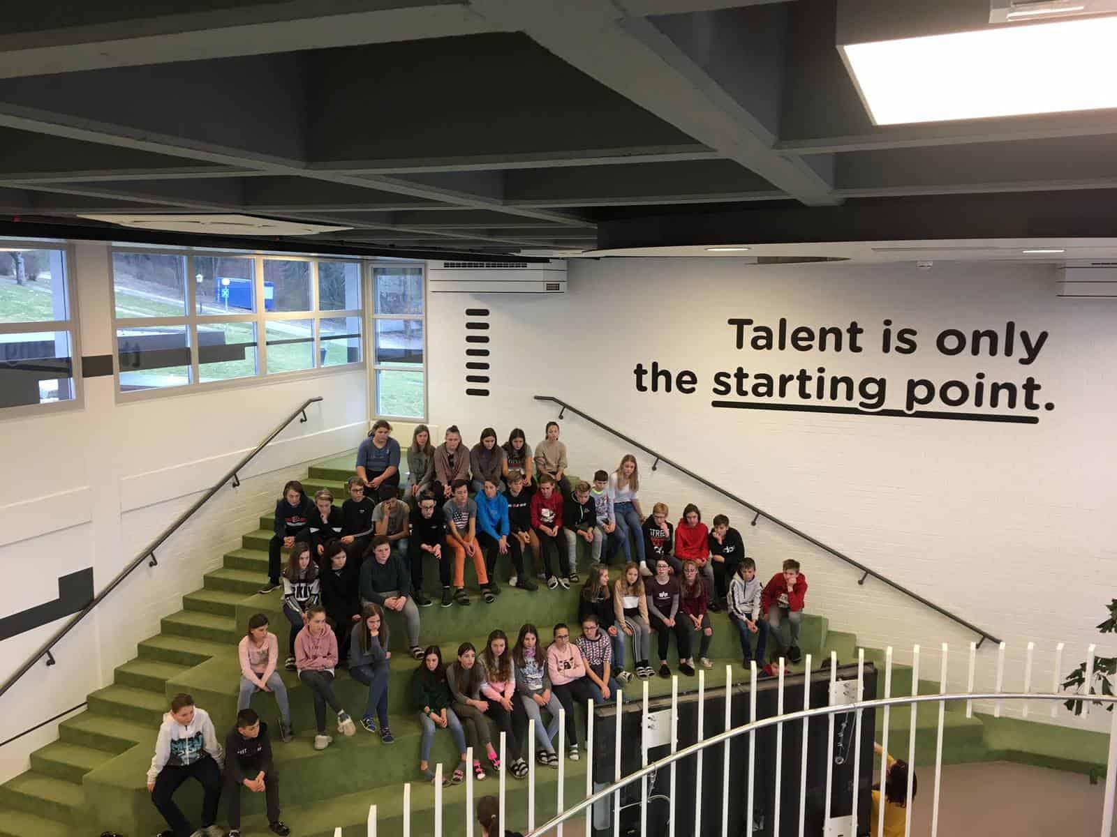 Talentcenter und wir<br /><h3 style='font-size: 16px; line-height: 16px !important; margin-top: 5px;'><span style='color: #800000;'>SchülerInnen der 3. Klassen auf Besuch im Talentcenter</span></h3>